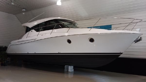 Tiara Yachts C39 Coupe