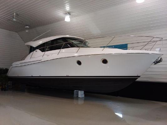 Tiara Yachts C39 Coupe - main image