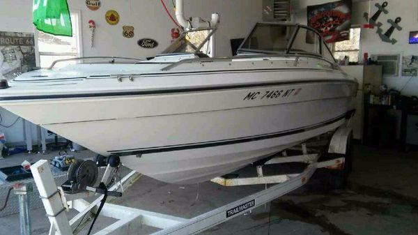 Sea Ray 22 Bowrider