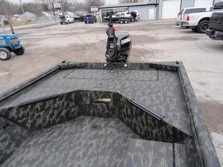 Ranger 1652 MPV image