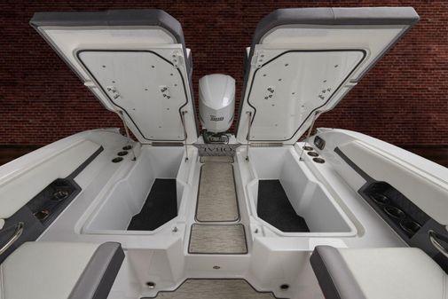 Cobalt R6 Outboard image