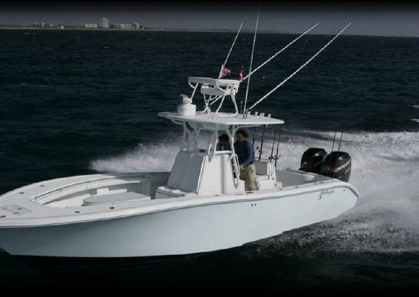 Yellowfin 32 image