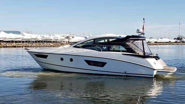 Beneteau GT 40