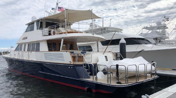 Hunt Yachts Ocean Series