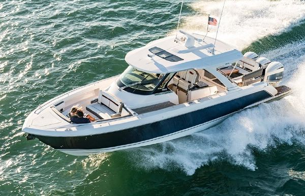 2022 Tiara Yachts 38 LS