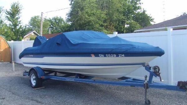 Sea Ray 18' Bow Rider