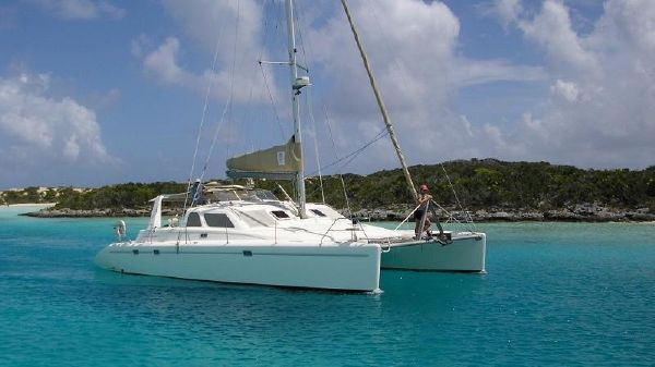Voyage Yachts 440 Owner's Version Dragonfly