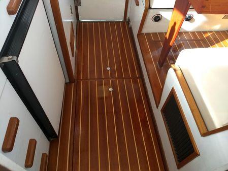 Bertram 31 Softtop Express image