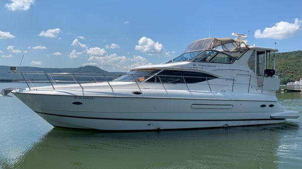 Cruisers Yachts 4450 Express Motor Yacht
