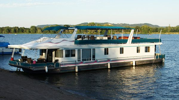 Lakeview HOUSEBOAT 79 X 18 Picture #1