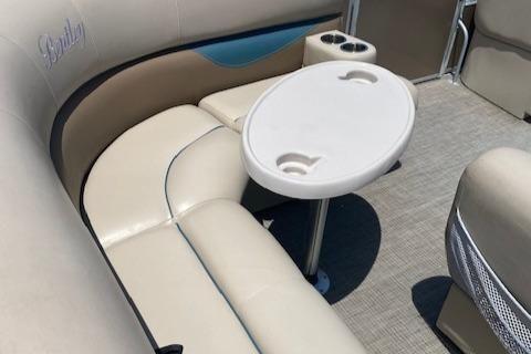 Bentley Pontoons 220/223 Cruise image