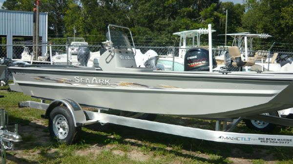 SeaArk RXT 180 CC