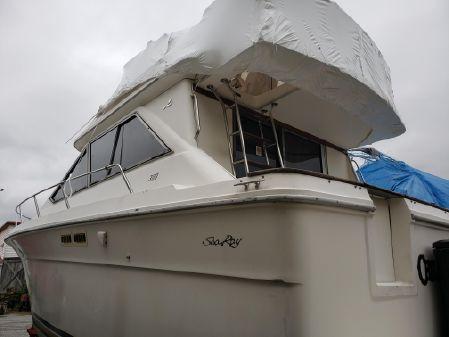 Sea Ray 300 Sedan Bridge image
