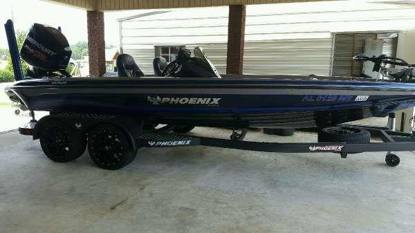 Phoenix Boats 920