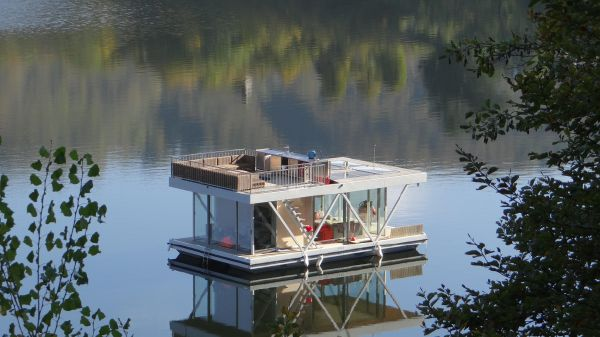 Houseboat Floatwing