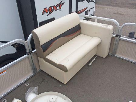 Crestliner 2185 SUNCAST PONTOON image