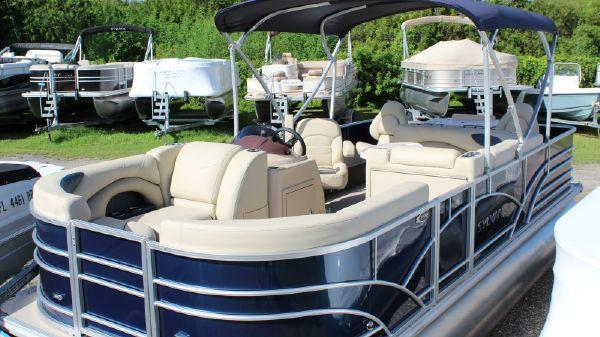 Sylvan Mirage 820 Cruise & Fish