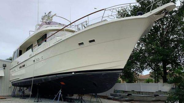 Hatteras Eurotransom motor yacht