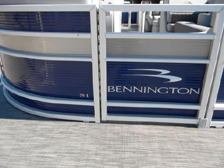 Bennington 25LSR image