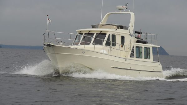 North Pacific 39 Pilothouse