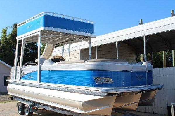 Avalon Catalina FunShip - main image