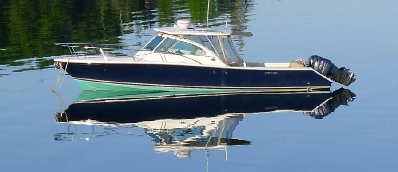 Pursuit 3480 Drummond Island Runner - main image