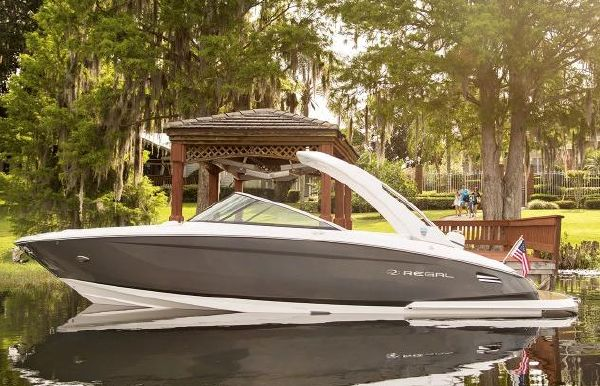 2018 Regal 2800 Bowrider