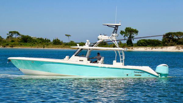 Everglades 435 CC Port Profile