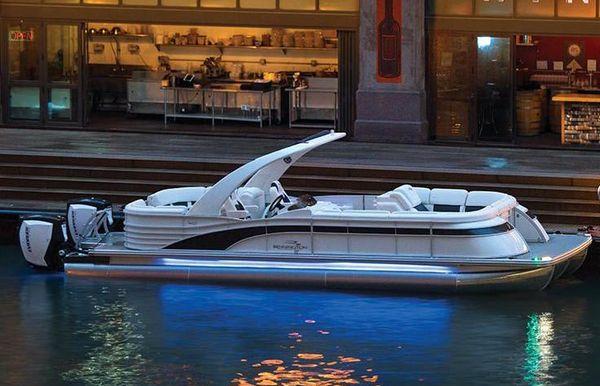2019 Bennington Q 30 Wide Beam Sport Arch Custom