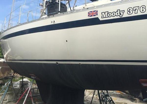 Moody 376 image