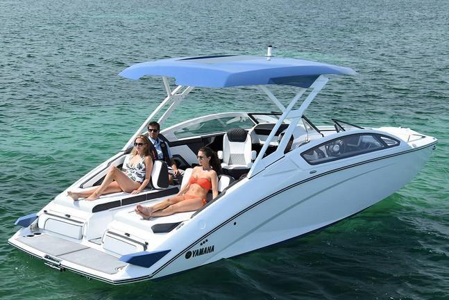 2019 Yamaha Boats 275 SD - Shore Point Marina & Yacht Sales
