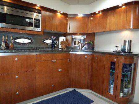 Cruisers Yachts 520 Express image