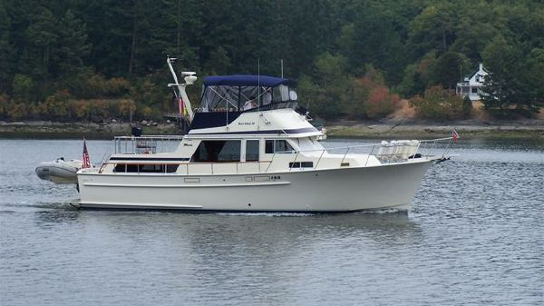 Tollycraft 43 Tri-Cabin