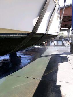 Tollycraft 44-SUN DECK image