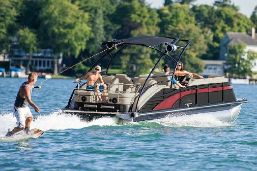 Bennington Q 25 Sport Tower I/O image