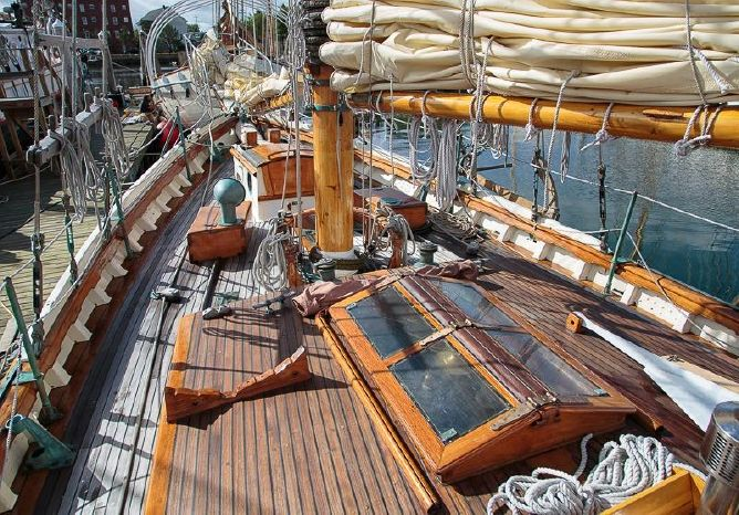 1983 Stadel Schooner Broker Sell