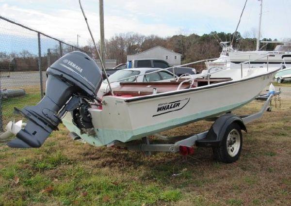 Boston Whaler 17 Sport image