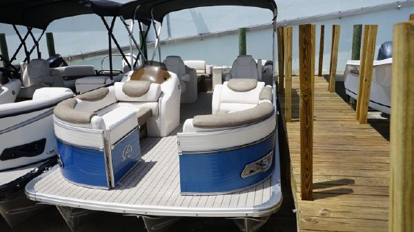 Avalon 2385 Catalina Quad Lounger