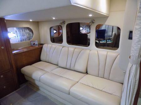 Cruisers Yachts 370 Express image
