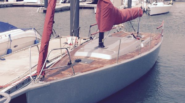 Sensei Yachts 9.0 July 2015