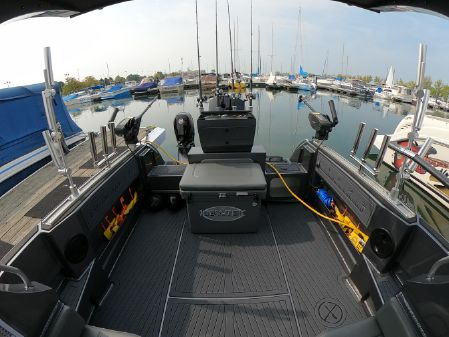 Extreme Boats 745 Walk Around image