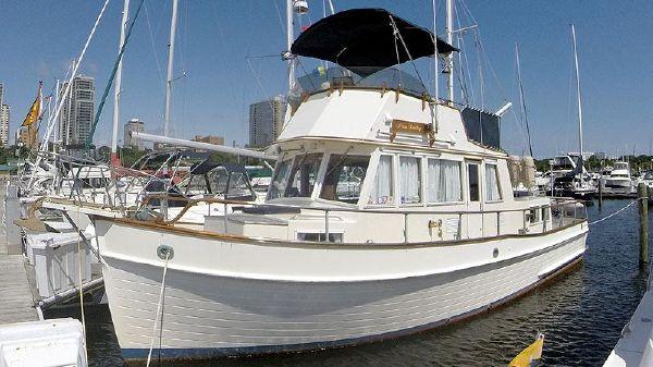 Grand Banks 36 Classic Trawler Port Bow Profile