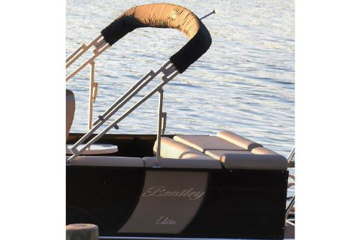 Bentley Pontoons 250 Elite Cruise image