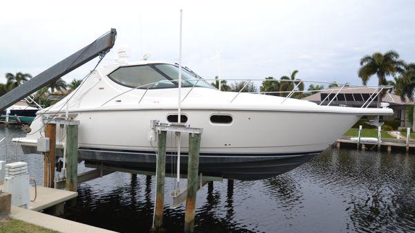 Tiara Yachts 39 Sovran