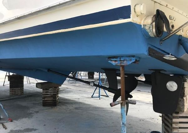Tollycraft 44 Cockpit MY image
