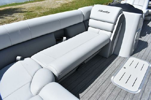 Bentley Pontoons 220 Elite Admiral image