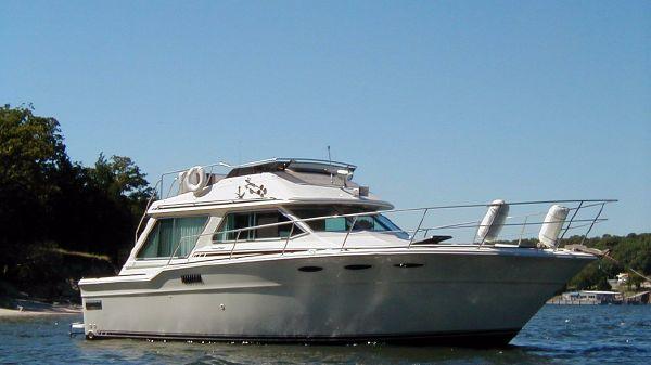 Sea Ray 355T Trawler