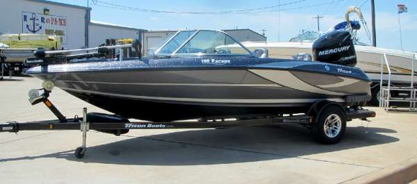 TRITON BOATS 190 Escape
