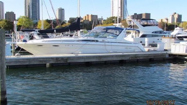 Sea Ray 370 Sun Dancer AT THE DOCK