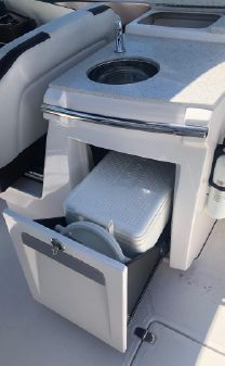 Regal 3200 Bow Rider Super Clean! image